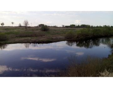 два земельных участка с Домом , с двумя озерами и каналом от реки Днепр 71 Гектар