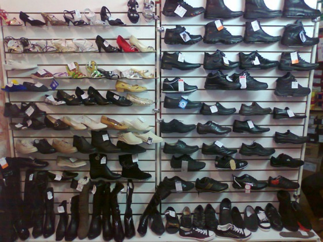 Обувь в ассортименте меняю на авто, стройматериалы, земельный участок под ИЖС - 1
