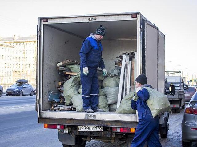 Вывоз строительного мусора старой мебели - 3
