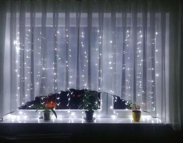 Гирлянда окно штора 1, 5 на 1, 5 белая - Изображение 1