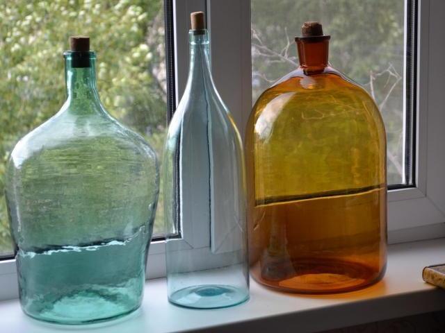 Старинные бутылки и бутыли для самогона - 1