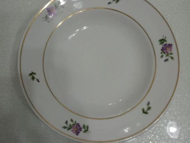 Обеденные тарелки полнопорционные - 1