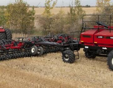Сельскохозяйственная техника посевной комплекс Versatile, новый